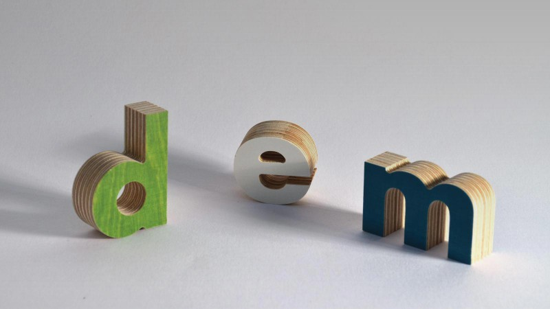 3D lettering can be made out of all the letters of the alphabet. The melamine film can be cleaned with a damp towel.